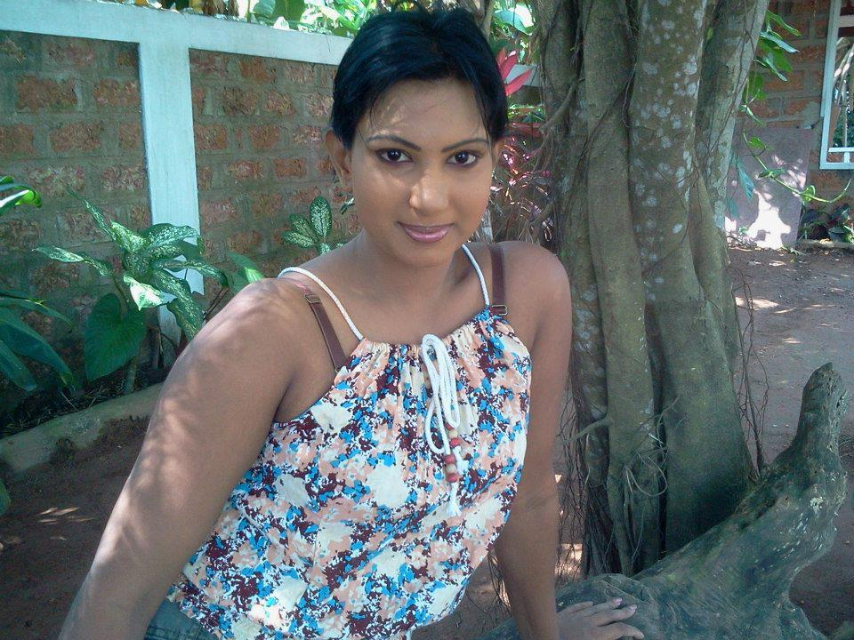 sri lankan girls nude pictures