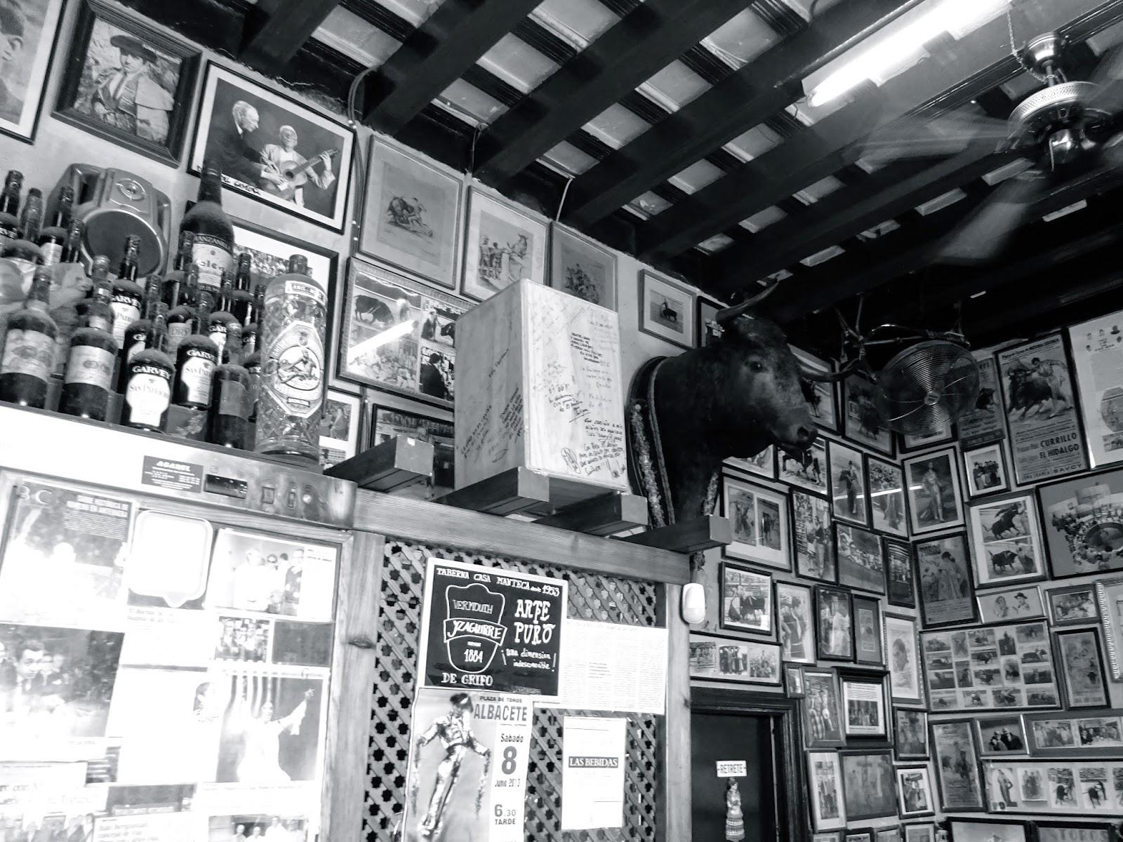 Casa Manteca, cadiz, bar de tapas, taurino, mejor bar de tapas cadiz, estamotendenciados, mojama, jamón, chicharron, andalucía, verano, restaurante cádiz