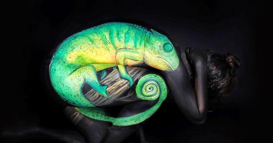 Lukisan Tubuh Manusia Merubah Orang Menjadi Binatang Bunglon