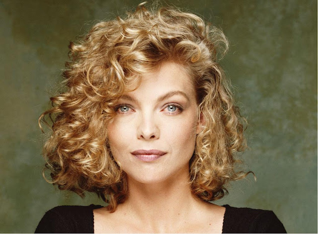 Michelle Pfeiffer Wallpapers Free Download
