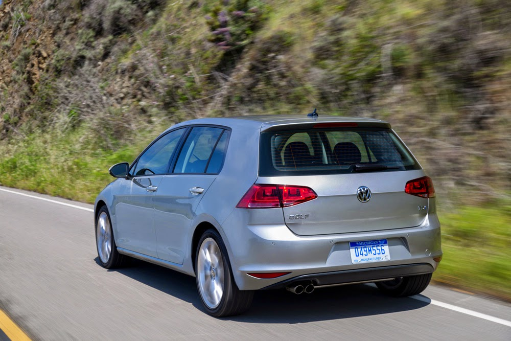 2015 Volkswagen Golf TDI driving