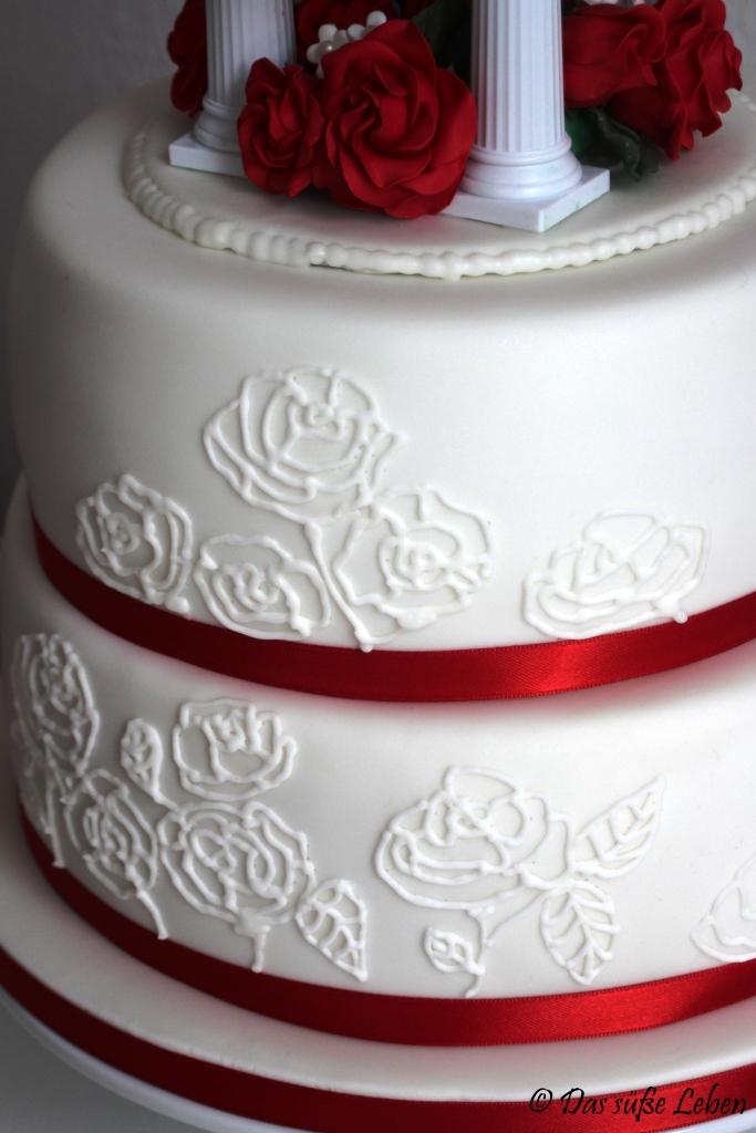 Rezept Hochzeitstorte In Rot Und Weiss Das Susse Leben