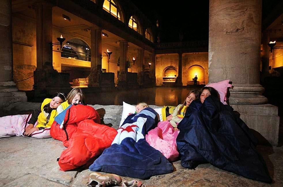 200 παιδιά κοιμήθηκαν αγκαλιά με έργα Τέχνης