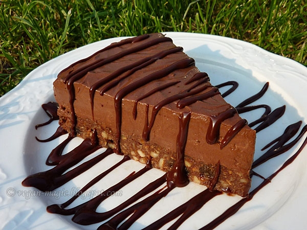 No Bake Chocolate Mousse Cake