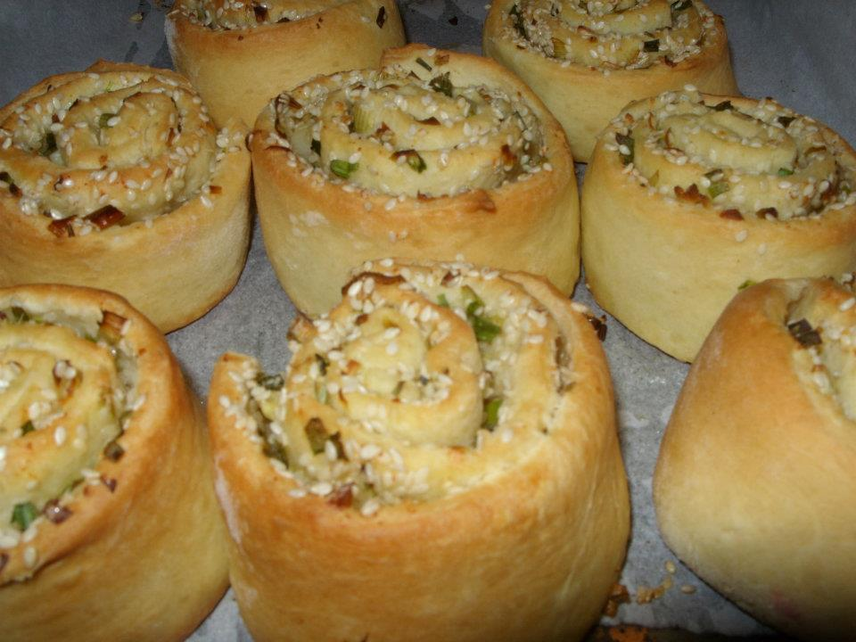 The Girl with the Wooden Spoon: Savory Swirl Rolls