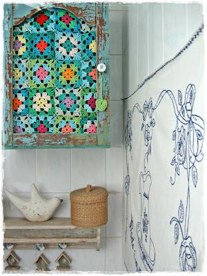 http://niebieskachata.blogspot.fr/2012/09/zmianyzmianyzmiany.html