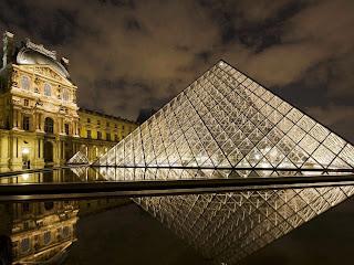 Paris Musee du Louvre, amoretravel Paris city breaks
