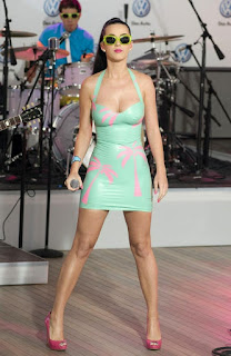 Tight wet pussy - sexygirl-Katy_Perry_Tight_Palm_Tree_Dress_4c21299c802f8-752700.jpg