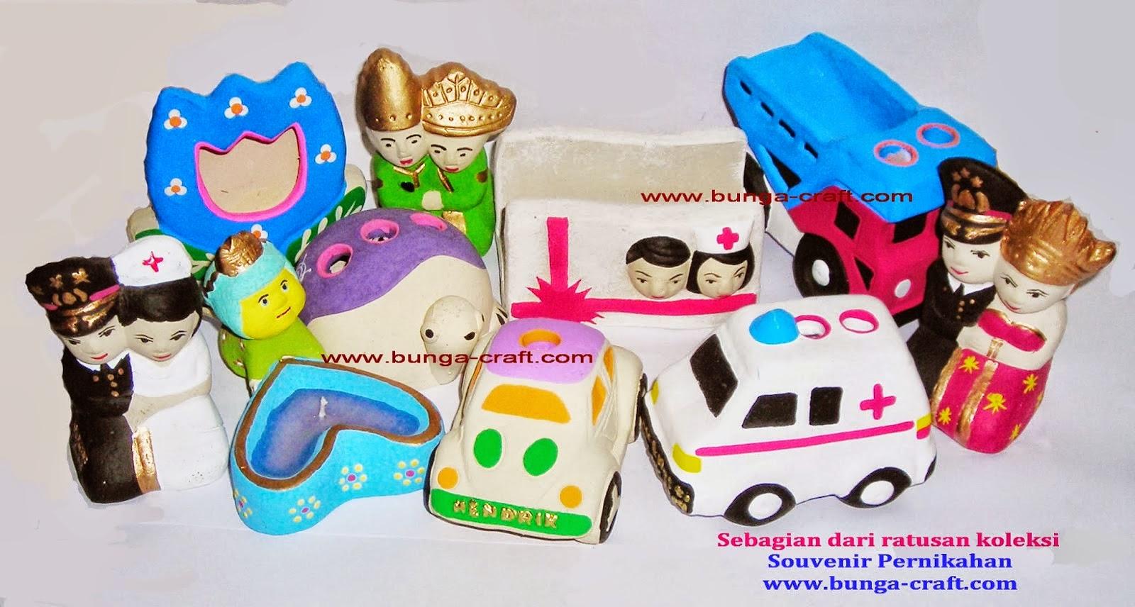 http://www.bunga-craft.com/2014/06/souvenir-pernikahan-surabaya.html
