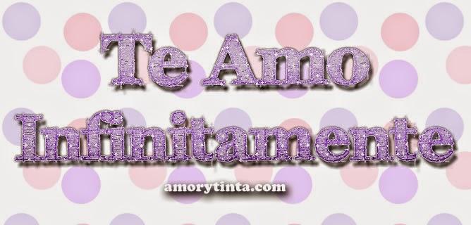frase te amo infinitamente en letras moradas y fondo rosado con morado