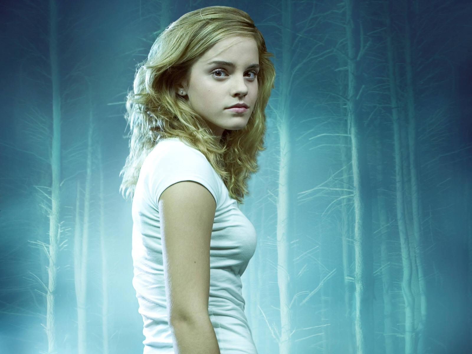 Emma Watson Movie HD Wallpapers