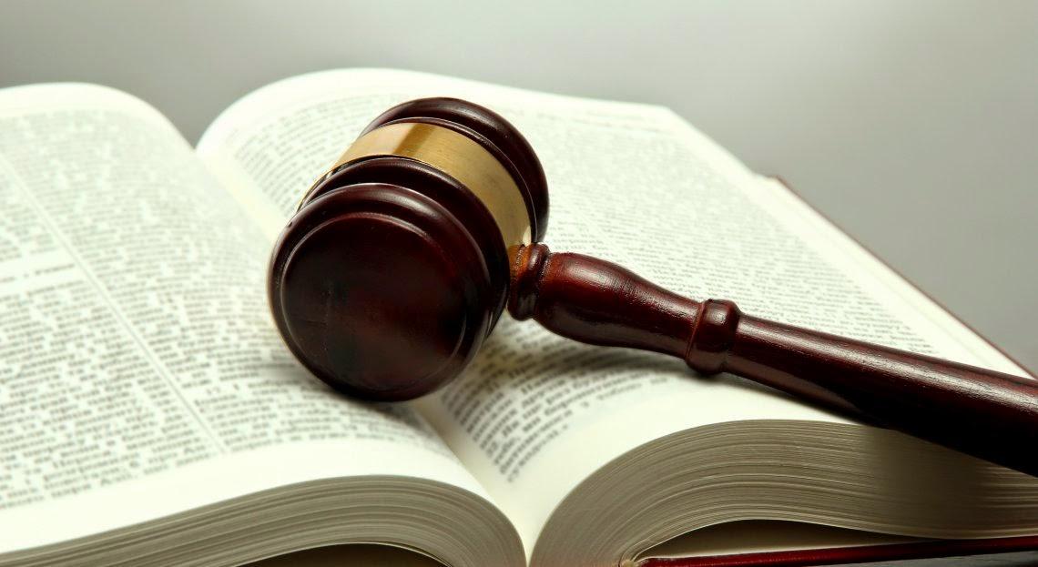 Mazo de Derecho