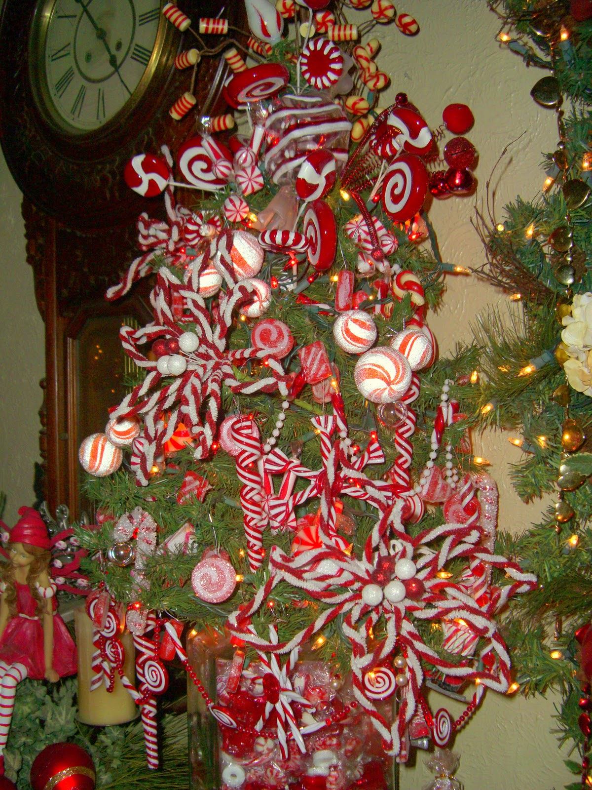 Candy cane christmas tree decorations car interior design for Candy xmas tree decoration