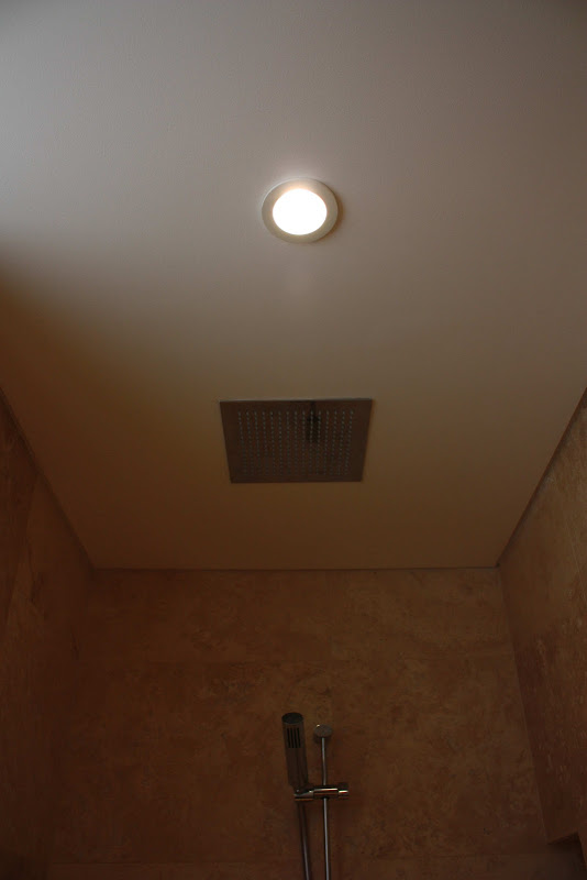 minosa-design-travertine-bathroom-vaucluse-exclusive-design-bisazza  title=