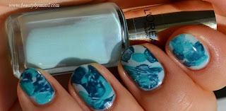 unhas decoradas simples com cores azuis