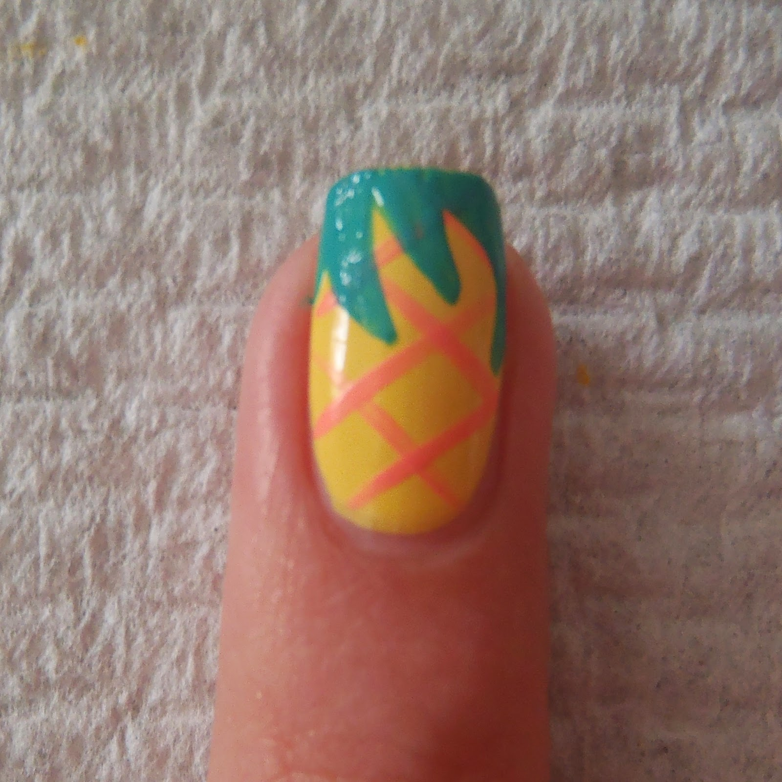 Gormay Nails: Pineapple Nails