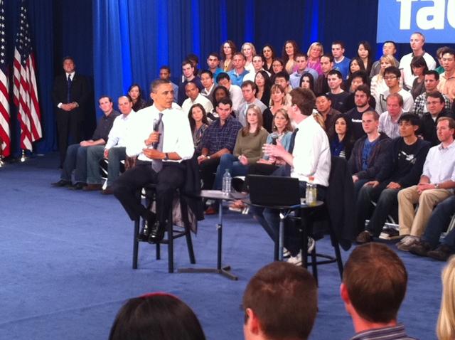 zuck obama 1 [UPDATE] Foto   Foto Kunjungan Barrack Obama Ke Kantor Pusat Facebook