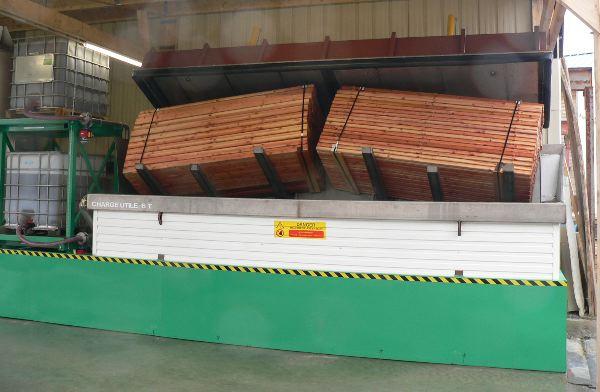 Maisons bois bioclimatiques taux d 39 humidit et bois de for Brosse telescopique pour toiture
