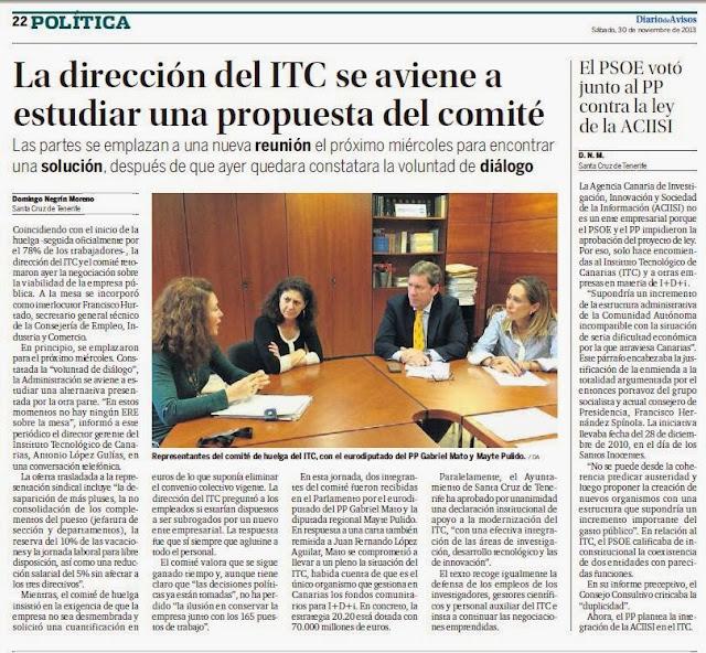 Representante del comité de huelga  del ITC  con el eurodiputado G. Mato y Mayte Pulido
