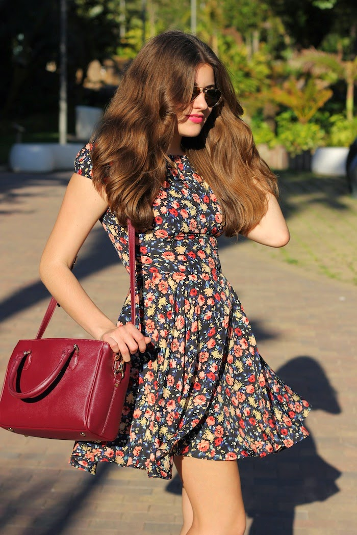 vestido_flores_flowers_print_estampado_zara_dress_bolso_bag_burdeo_burgundy_look_outfit_blog_streetstyle_angicupcakes01