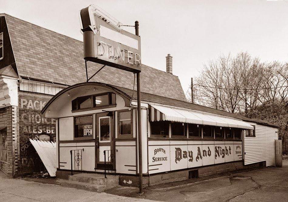 Old Diner - http://old-photos.blogspot.com/2014/07/old-diner.html (tramite http://ff.im/1jvWrQ)