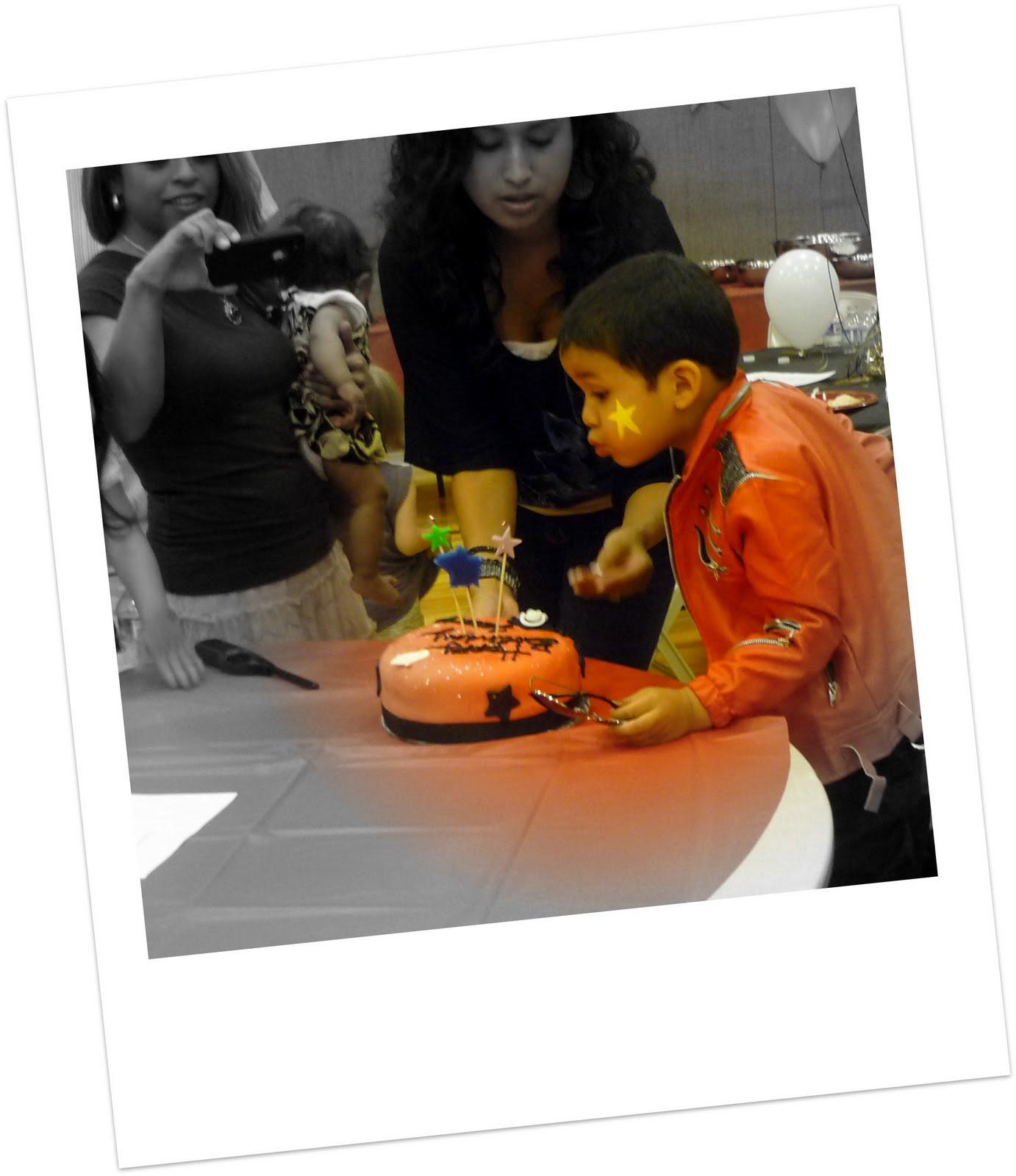 Alisha's Cupcakes!: Michael Jackson Birthday Party