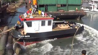 Pemerintah Kota Pekalongan Luncurkan Kapal Keruk Sungai