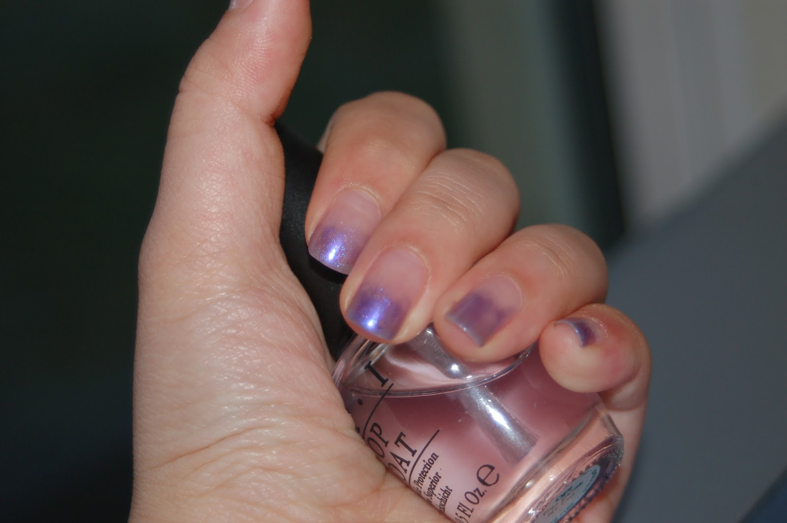 s: Glittery, shimmery gradient ombre effect nail tutorial without sponge