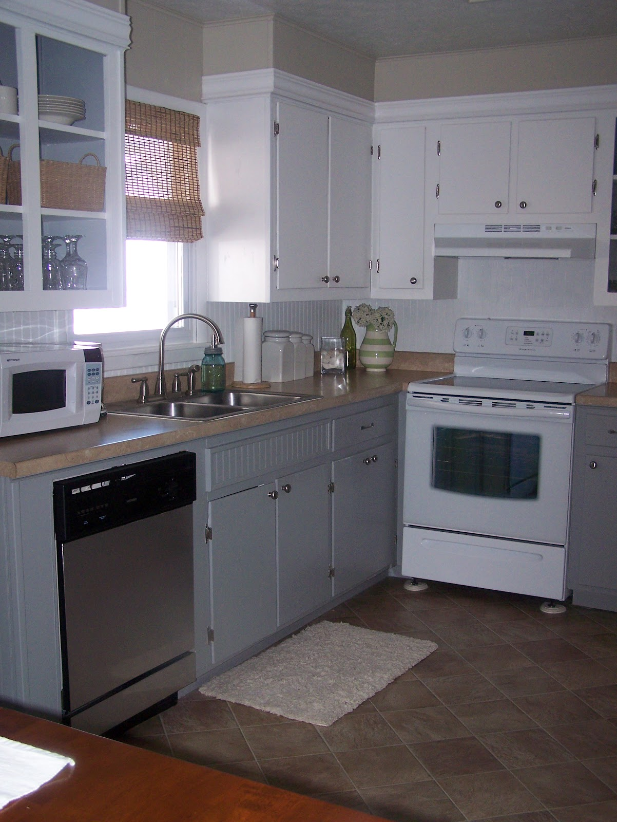 Updating old kitchen cabinets image to u for Updating a kitchen
