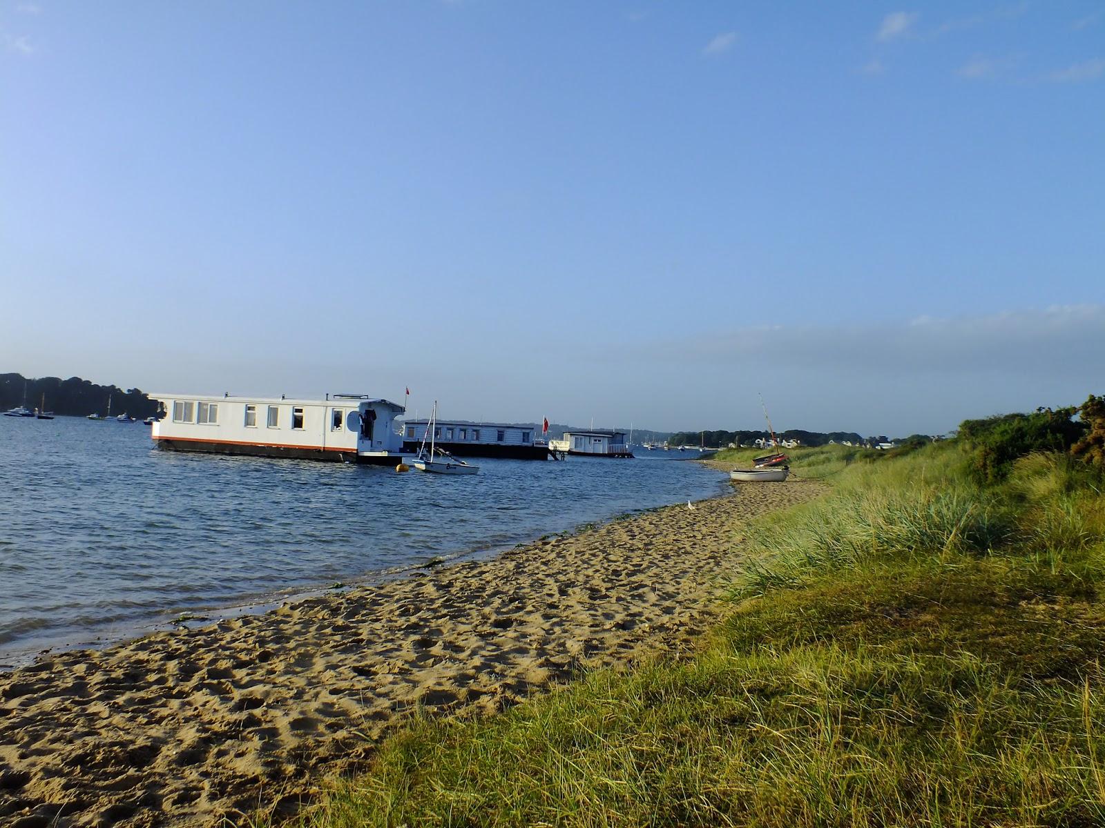 barki mieszkaniowe, domy na wodzie