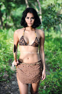 Laras Monca Model Majalah Popular World, April 2013 (Part 1)