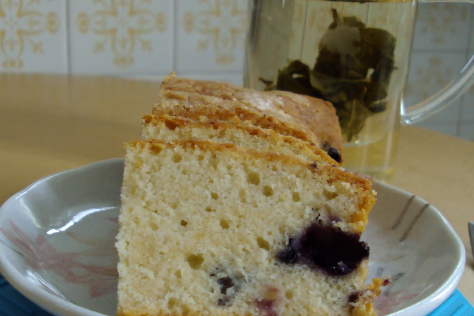 YUMMY BAKES: Melt in Your Mouth Blueberry Cake