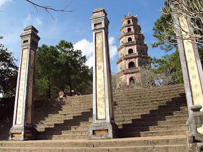 Tempat Wisata Menarik Thien Mu Pagoda (Hue) - Vietnam