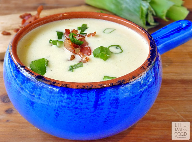 Potato Leek and Bacon Soup | by Life Tastes Good is like curling up under a warm blanket with someone you love. It is so comforting y'all! #Soup #ComfortFood