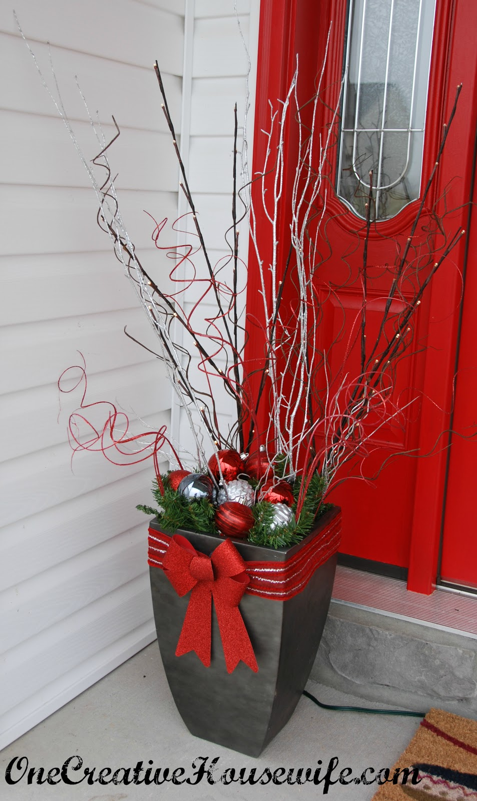 Decorating Ideas > One Creative Housewife My Outdoor Christmas Decorations ~ 101404_Christmas Decorating Ideas For Outdoor Pots