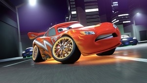 Lightning McQueen losing a wheel in Cars 2 movieloversreviews.blogspot.com