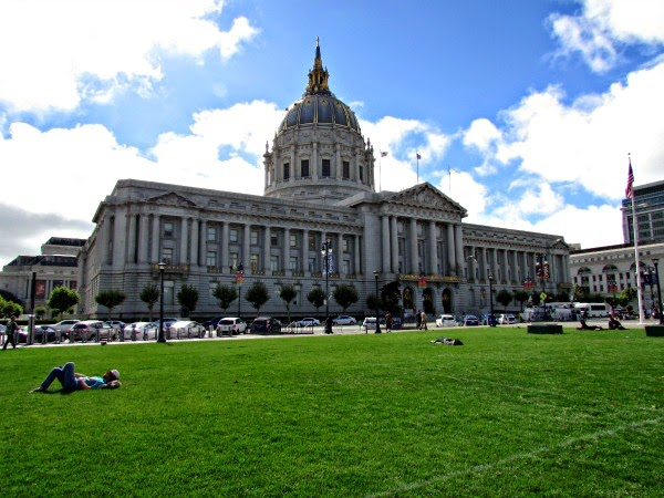 San Francisco City Hall // In the Afternoon