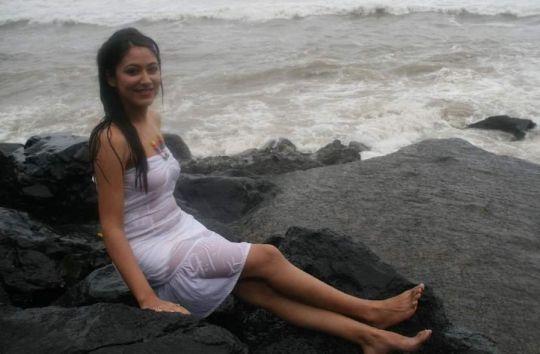 anjali pandey in transparent dress hot images