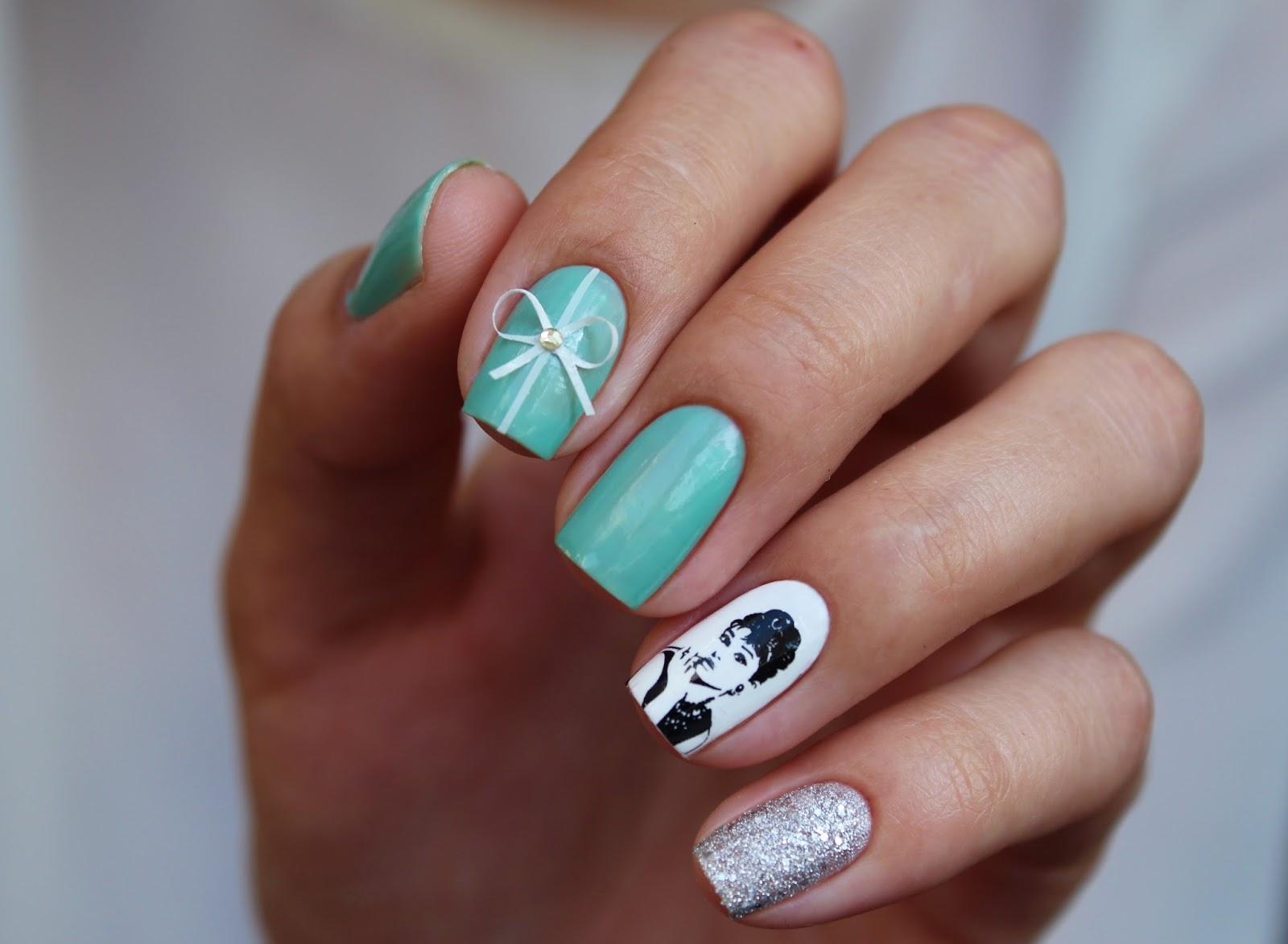 Essie Turquoise & Caicos  свотчи
