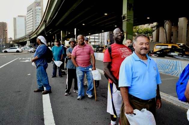 POBREZA / ONU critica penalización de personas sin techo en EEUU