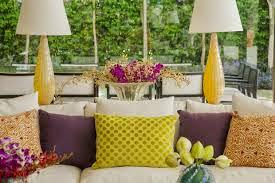 almofadas amarelas