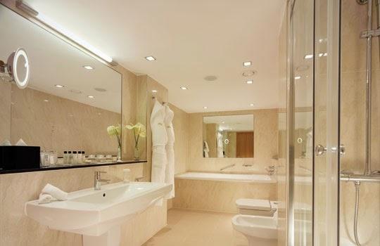 Muebles y decoraci n de interiores modelos de ba os muy - Cuartos de bano grandes ...