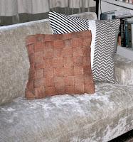 http://www.handsonworkshop.com.au/diy-tutorial-copper-cushion/