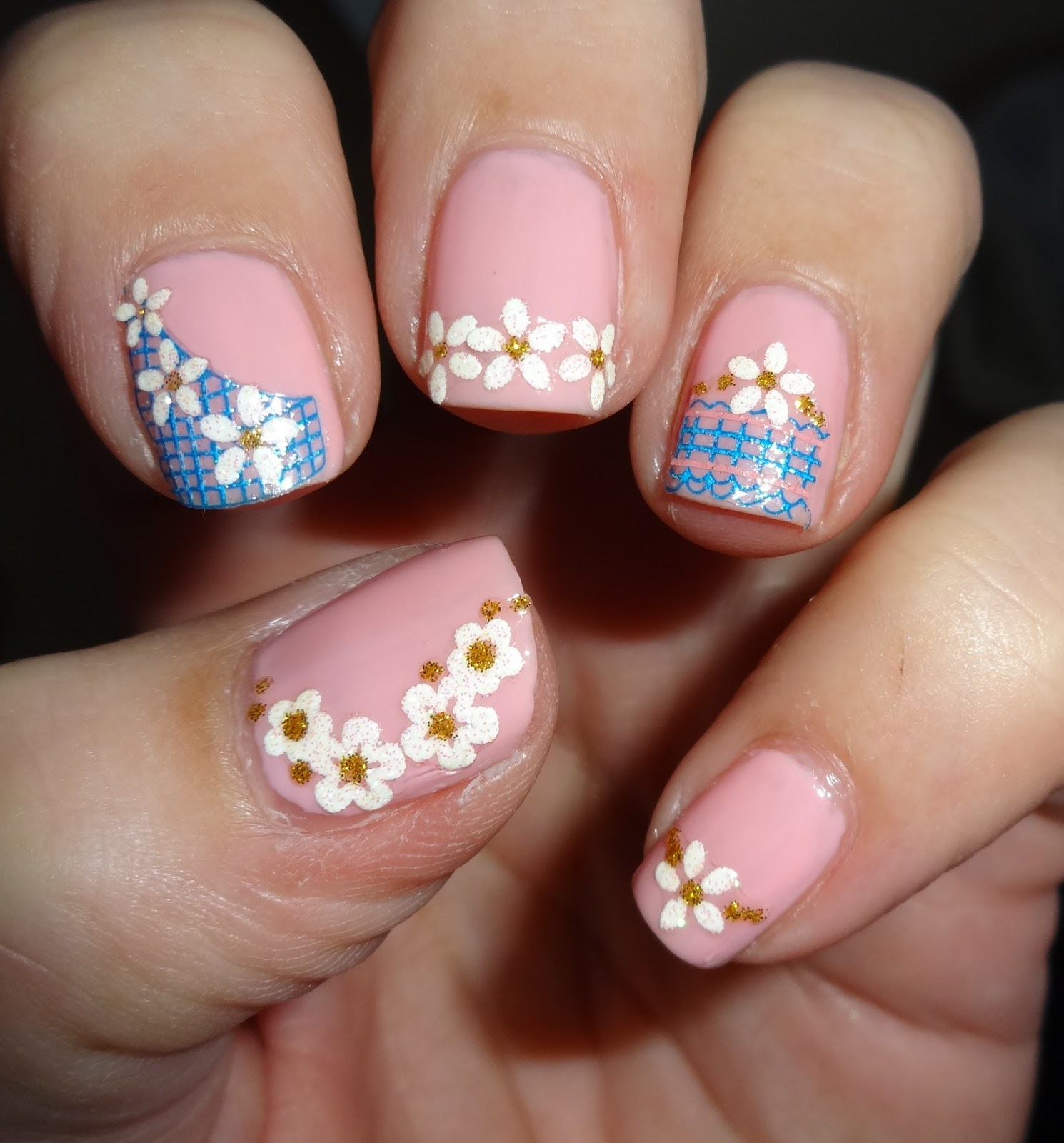Easy Nail Art: Wendy's Delights: Born Pretty Flower Reseau Easy Fast