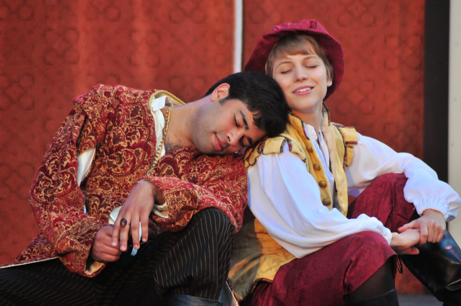 twelfth night and crossdressing In three – the merchant of venice, as you like it , and twelfth night –  crossdressing is central to both the complication and the resolution of the plot.