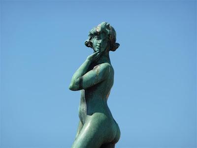 Estatua de Havis Amanda
