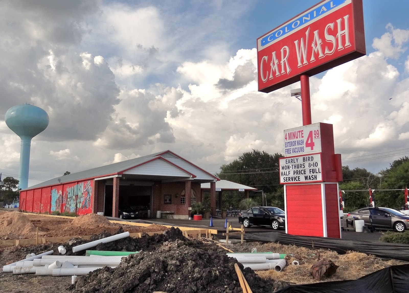 Colonial car wash adjoining construction site