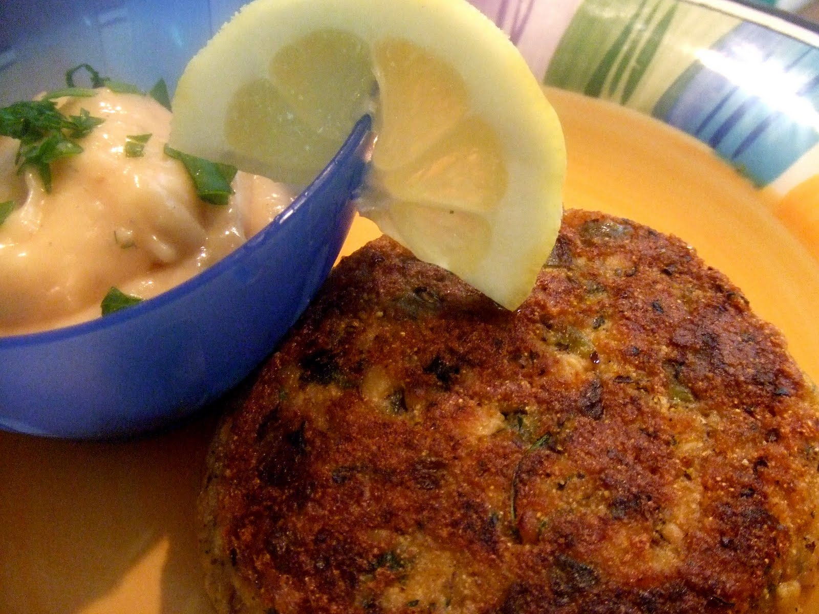 spicy crab cakes with horseradish mayo recipes dishmaps crab cakes ...