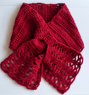 free crochet pattern lacy keyhole scarf