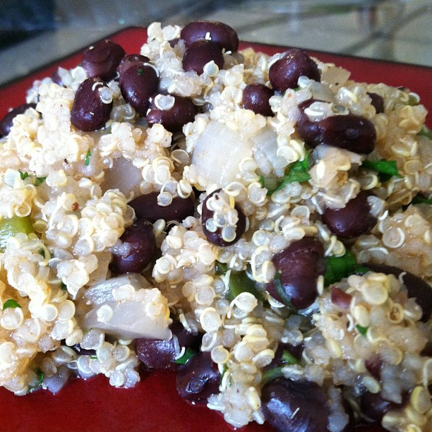 Laurie's Cravings: Latin Quinoa and Black Beans